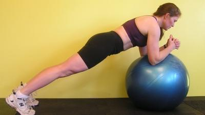 Elbow  Circles on Ball / Toe Plank
